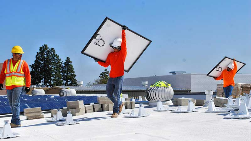 SolarTech Installing a Commercial Solar Panel System